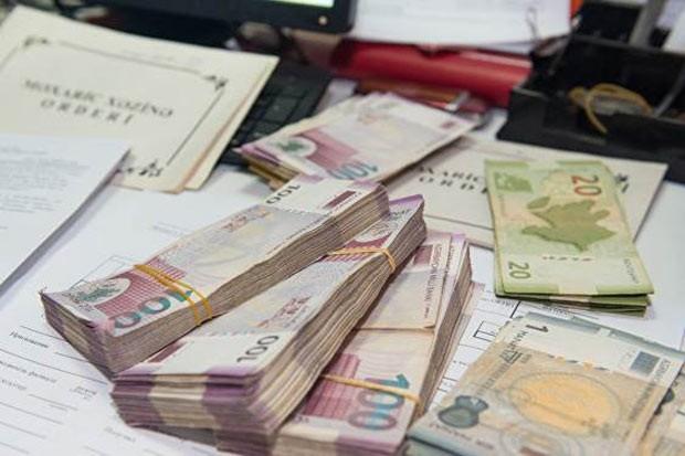 Bu banklardakı əmanətlər geri qaytarılır - Əhaliyə ŞAD XƏBƏR